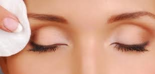 demaquiller-yeux-paupieres-mascara-recettes-demaquillant-yeux